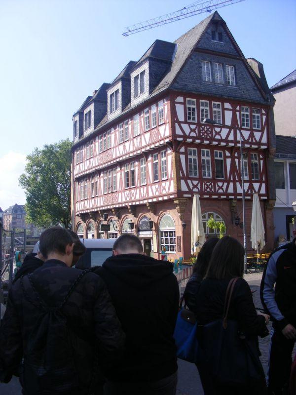 schueleraustausch-frankfurt-krakau-4-20190507-1940664152D8F52482-E5CA-73DE-0E42-1D19AF34A7A8.jpg