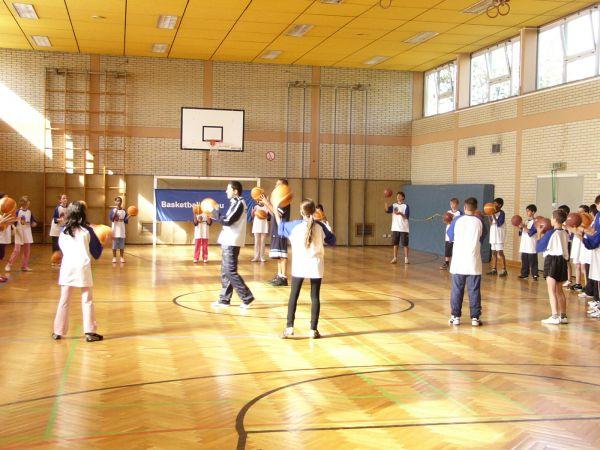 basketball-ag-3-20150714-1250611119EB5E7B3F-FE24-93C9-82F4-8D563D2A38B1.jpg
